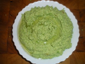 Apples, pea and soya bean hummus 016